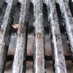 Wie bekomme ich meinen Grillrost wieder richtig sauber? Drei bequeme Reinigungsmöglichkeiten für den Grill