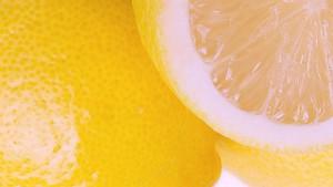 Zitronensäure aus echten Zitronen