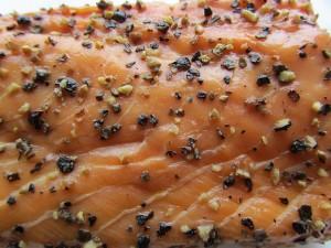 Wie gesund oder ungesund ist geräucherter Lachs und Räucherfisch