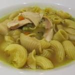 Warum Hühnersuppe bei Erkältungen hilft, sowie ein leckeres und gesundes Hühnersuppenrezept speziell gegen Erkältungssymptome