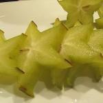 Wie schmeckt eine Sternfrucht (Karambole) und wann ist sie reif?