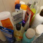 """Shampoo - so """"sauber"""" so giftig – was alles in konventionellen Shampoos stecken kann - von Sodium Lauryl Sulfat über Parabene bis hin zu Weichmacher und Silikone"""