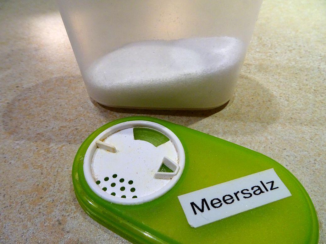 Wie viel Salz am Tag ist gesund und wie viel braucht ein Mensch davon mindestens? - Ab welcher Menge Salz täglich wird es schädlich für die Gesundheit oder sogar tödlich?