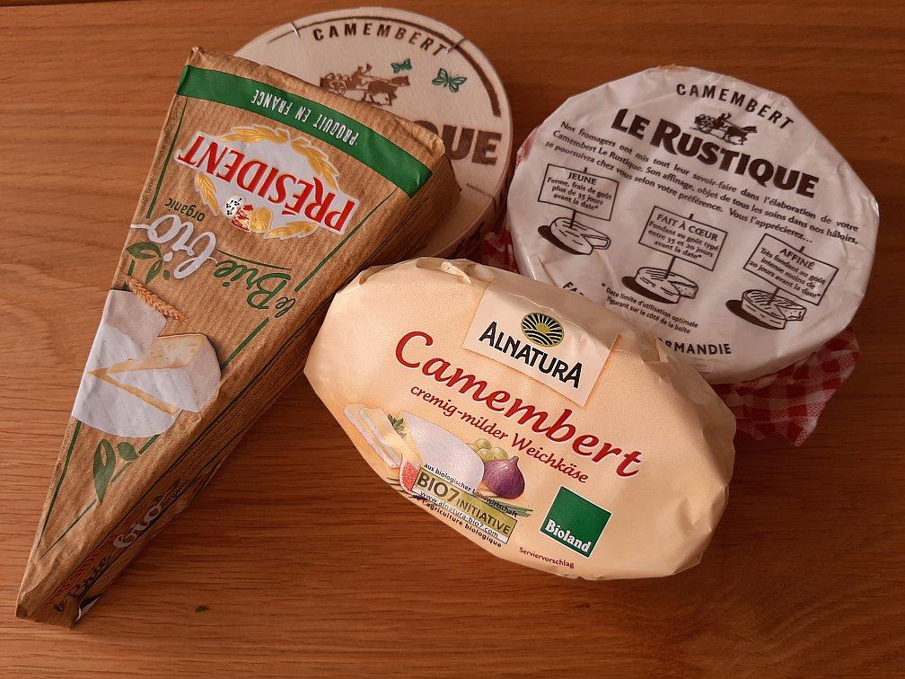 Was ist der Unterschied zwischen einem Camembert und einem Brie? - Aussehen, Geschmack und Herkunft der beiden Weichkäsesorten im Vergleich